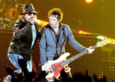 axl rose tommy stinson guns and roses going down
