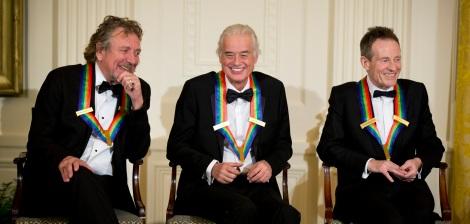 Robert Plant, Jimmy Page e John Paul Jones, remanescentes da formação original do Led Zeppelin, durante a entrega do Grammy 2014. A banda faturou o prêmio na categoria Melhor Álbum de Rock por Celebration Day (2012)