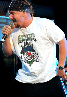 Mike Muir, vocalista do Infectious Grooves