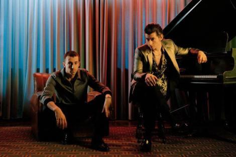 Miles Kane e Alex Turner integram o projeto (Foto: Divulgação)