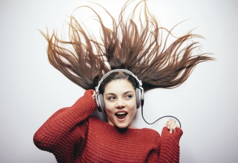 Curtir uma música contribui para manter o cérebro ativo (Foto: Getty Images)